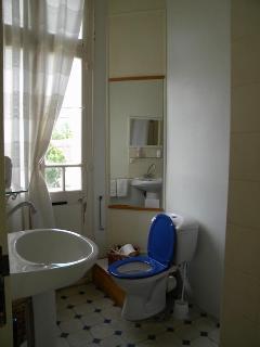 Ensuite  main bedroom