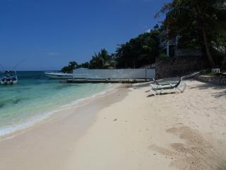 Eden Sands Beachfront Villa, Ocho Rios