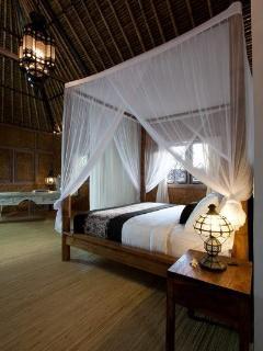 Romantic Room (Upstairs bedroom)