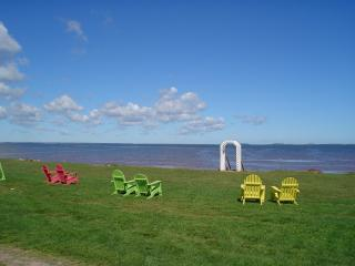 Schurman's Shore Waterfront Cottage, Summerside