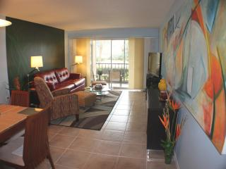 Fabulous Condo in Front of Siesta  Public Beach!