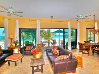True Beachfront Condo/Luna  D1/Susan Mattingly, Playa del Carmen