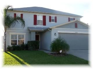 Spacious 4 bedroom with pool/spa, close to Disney, Clermont