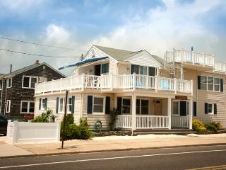6th from Beach | 5BR | Pet-Friendly | Fishbone LBI, Beach Haven