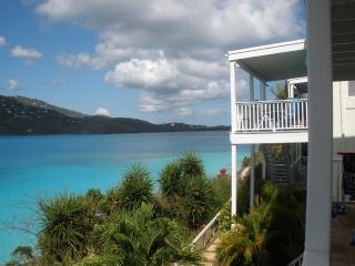Beachfront Condo - two Bed/one bath - private deck, St. Thomas
