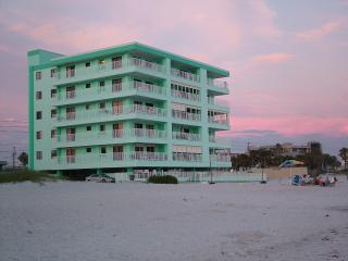 3 bedroom beach condo right on the Gulf of Mexico