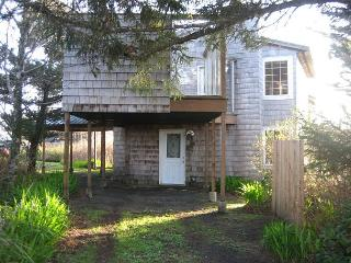 Dowd Unit--R258B           Waldport Oregon (high bank) vacation rental