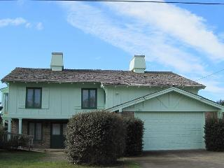 Green Unit--R365 Waldport Oregon ocean front vacation rental