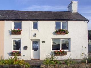 ARFOR, family friendly, country holiday cottage, with a garden in New Quay