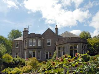 CASTLETON HOUSE, pet friendly, luxury holiday cottage, with a garden in Glamis, Ref 8403