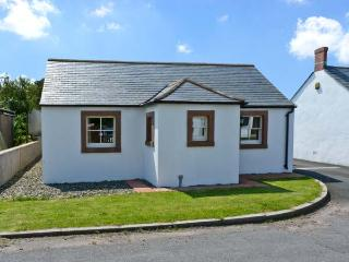 ROBIN RIGG VIEW, family friendly, country holiday cottage, with a garden in Ruthwell, Ref 8812
