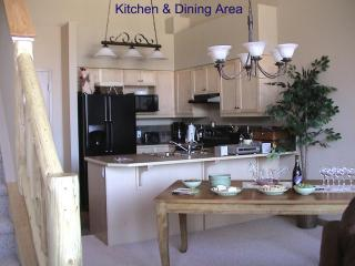 Kitchen/Dining Area (seats 6 people)