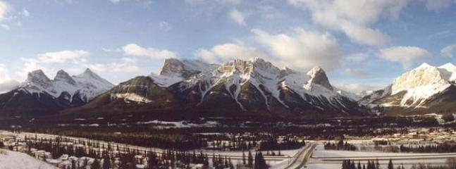 Panoramic View of the Mountains to the West Side of Canmore