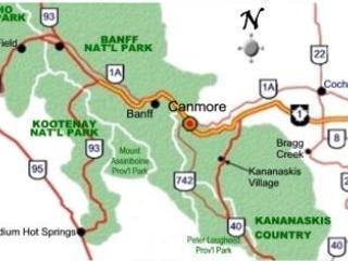 Mapa que muestra la ubicación de Canmore a áreas del parque