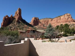 Renovated Solar Power Home w/Amazing Red Rock View, Sedona