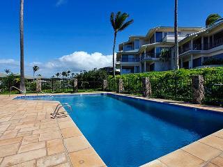 Luxurious 'Platinum' Bay Villa 2BR/3BA, Steps To The Beach