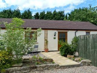 IVY COTTAGE, pet friendly, country holiday cottage, with a garden in Caldwell, Ref 6872, Beadnell