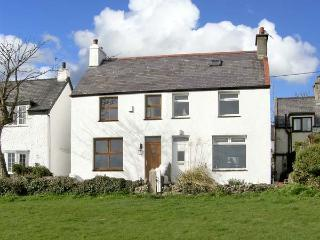 KEEPER'S COTTAGE, family friendly, with a garden in Moelfre, Isle Of Anglesey, R