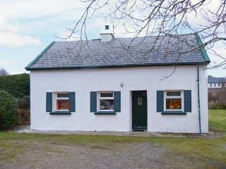 THE LAKE HOUSE, CONNEMARA, family friendly, character holiday cottage, with a ga