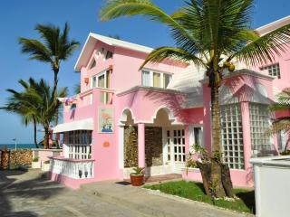 Villa Flamingo Luxury 4 Bedroom Beachfront Villa