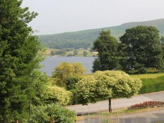 HOLLY COTTAGE, Watermillock, Ullswater