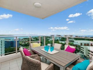Beachlife Sea Spray  Luxury Condo  Harbour Views, Darwin
