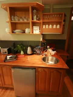 Amble Fern Kitchenette