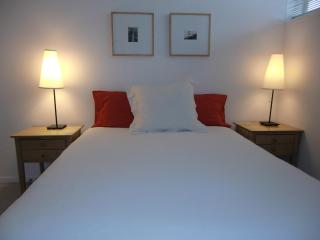 MODERN & CENTRAL - from $135/night for long stays, San Francisco