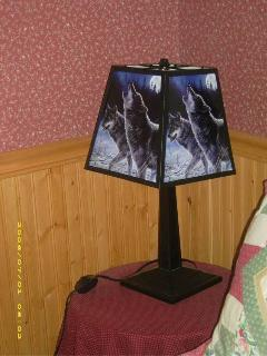 Hautman Brothers Wolf design lamp