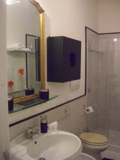 bathroom  (Il Chiostro)