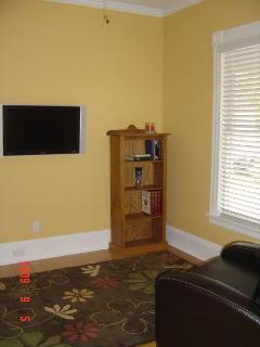 Watch TV on the LCD Flatscreen in this comfortable recliner (150+HBO channels)