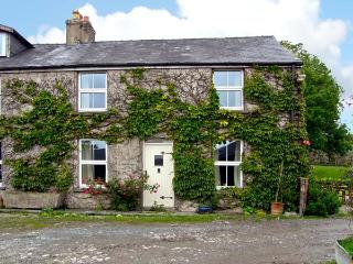 PANT GLAS COTTAGE, pet friendly, character holiday cottage, with a garden in Car