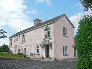 FUCHSIA HOUSE, family friendly, with a garden in Tully, County Galway, Ref 8451