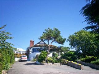 BRON-Y-BRYN LODGE, family friendly, with a garden in Gwaenysgor Near Prestatyn, Ref 7844