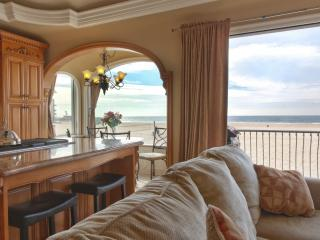 Oceanfront Beach Home 8 - State of the Art Appliances and Luxurious Decor with Fantastic Views!, Hermosa Beach
