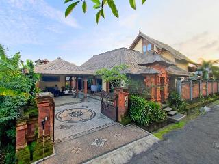 Villa Asih, affordable luxury close to Sanur