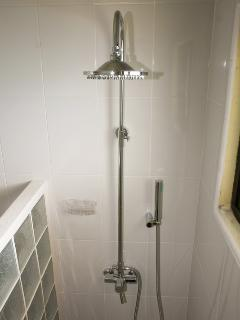shower of 2nd bathroom