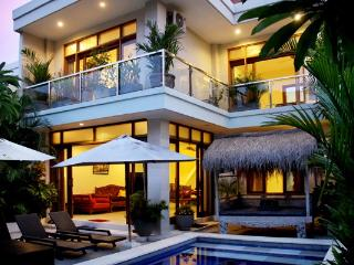 Villa Nova, beautiful oasis in central Legian.