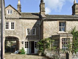 TURRET COTTAGE, pet friendly, character holiday cottage, with a garden in