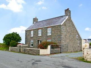 BANK HOUSE FARM, family friendly, character holiday cottage, with a garden in St Davids, Ref 5766, Haverfordwest
