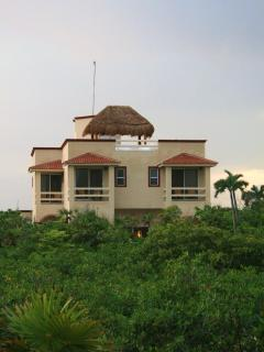 Villa Arrecife from Beach Access Road