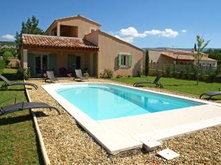 Villa in Provence with Pool near Town - Villa Bruyere, Saint-Saturnin-les-Apt
