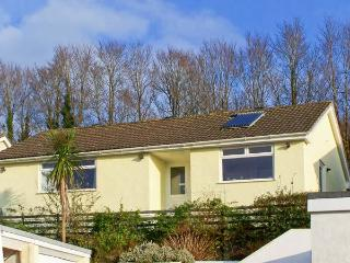 SUNNYVISTA, pet friendly, with a garden in Tywardreath, Ref 5280