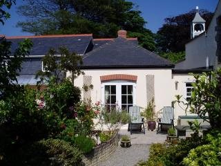 Cornwall, Bell Cottage, near Falmouth, sleeps two, Penryn