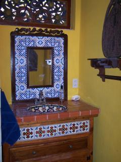 Main house 2nd bathroom