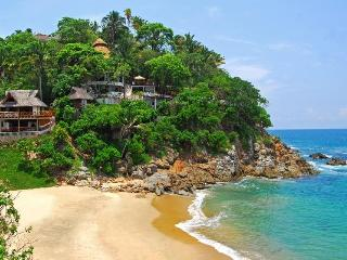 Villa Violeta Stunning Secluded Beachfront w/Chefs
