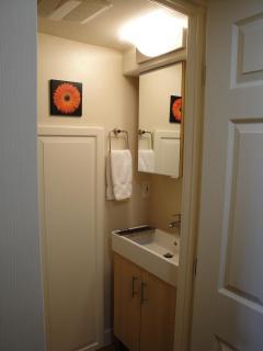Extra 1/2 Bath In Private Den Area