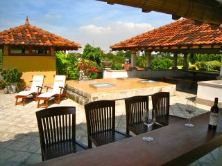 Treetops Luxury Homestay, Colombo