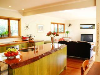 Kitchen Lounge