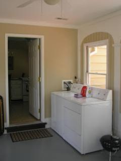 Sun Room with Washer and Dryer